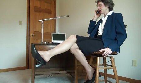 او را دوست تلگرام فیلم سوپر دارد که یک فاحشه در وب کم